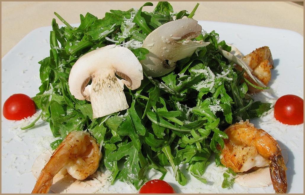 Салат руккола креветки рецепт