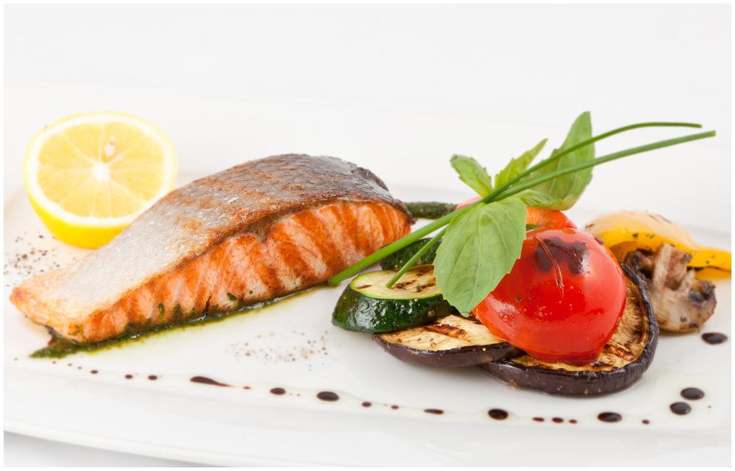 Запеченный лосось с брокколи рецепт – основные блюда. «Еда» | 660x1030