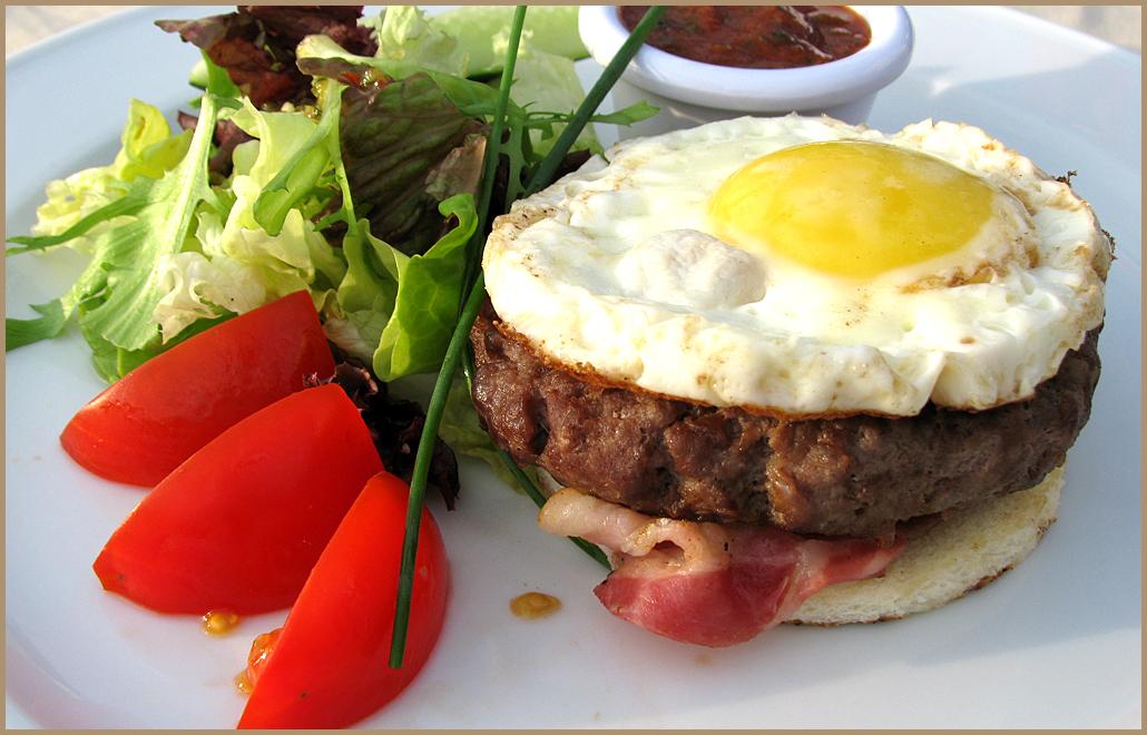 бифштекс из фарша с яйцом рецепт с фото