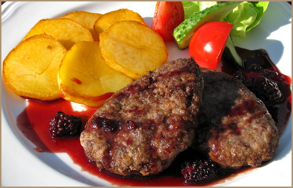 Котлеты из мясо лося рецепт с фото