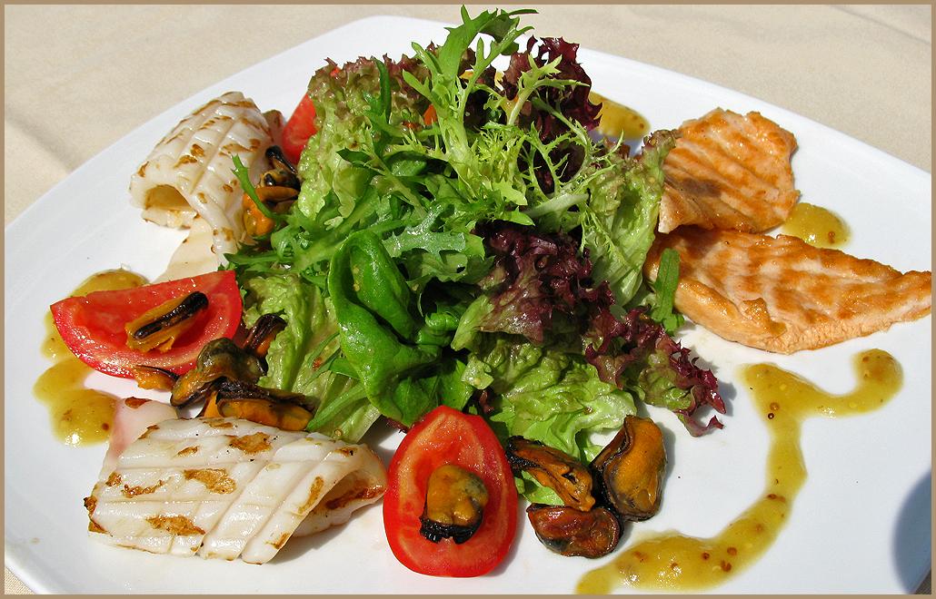 Рецепт салата с рыбным соусом
